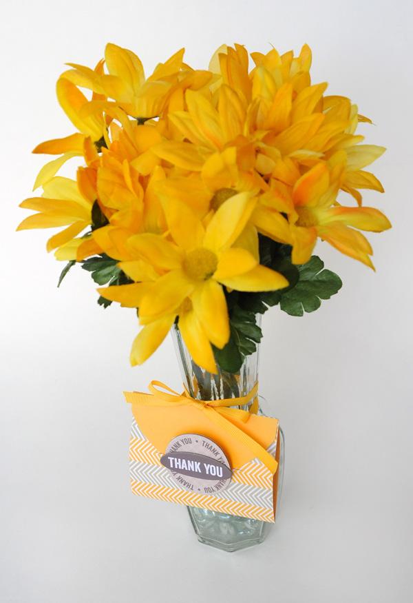 JanaEubank_NiftyGifties_FlowersThankYou2_600