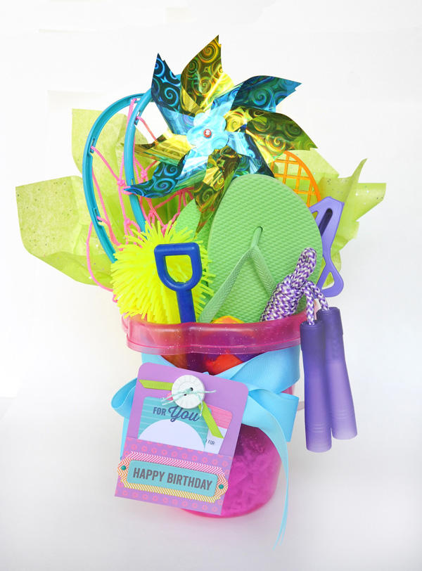 JanaEubank_NiftyGifties_HappyBdayBucket1_600