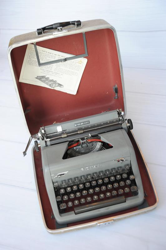 JanaEubank_Typewriter4