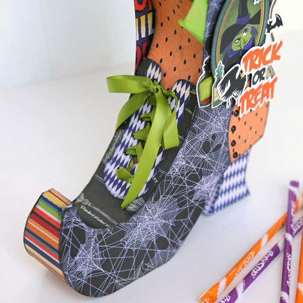Jana Eubank Carta Bella Paper Haunted House Witch Boot 3 600