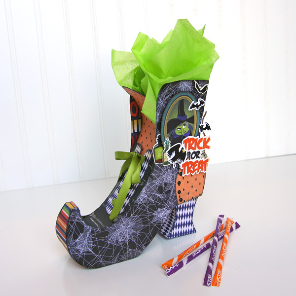 Jana Eubank Carta Bella Paper Haunted House Witch Boot 6 600