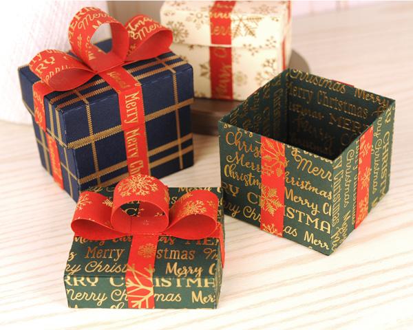 Jana Eubank Carta Bella Foil Cardstock Stocking Stuffer Boxes 2 600